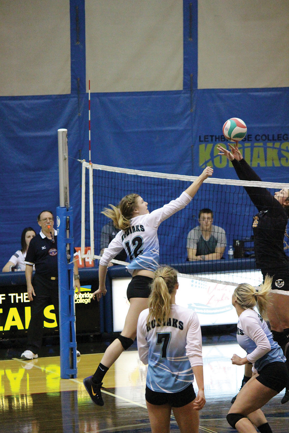 Laura Serafini goes up against the Medicine Hat Rattlers for an on the net play on November 3rd.